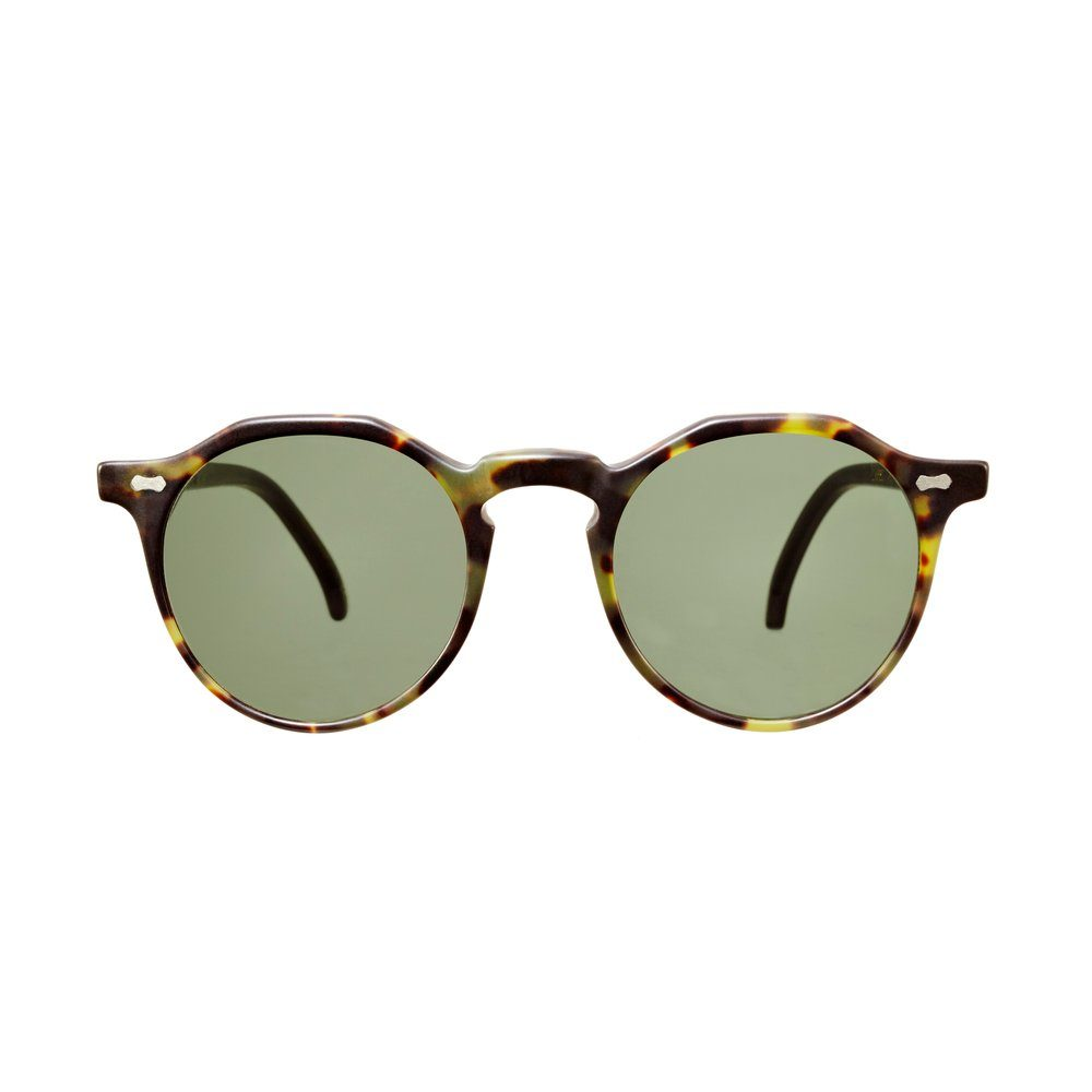 lapel-matte-transparent-and-green-tortoise-frame-bottle-green-lenses